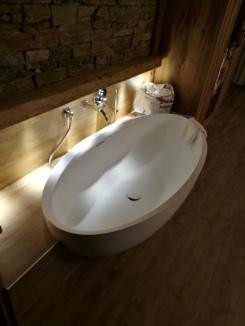 Badewanne mitten im Zimmer