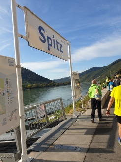 Start in Spitz bei Traumwetter