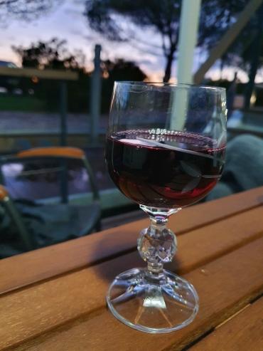 Rotwein auf unterer Terrasse